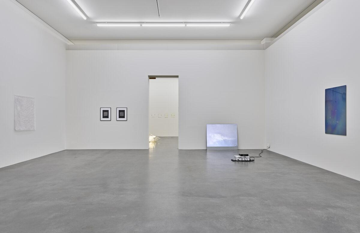 Ausstellungsansicht mit Werken von Fiene Scharp und Anne Steinhagen