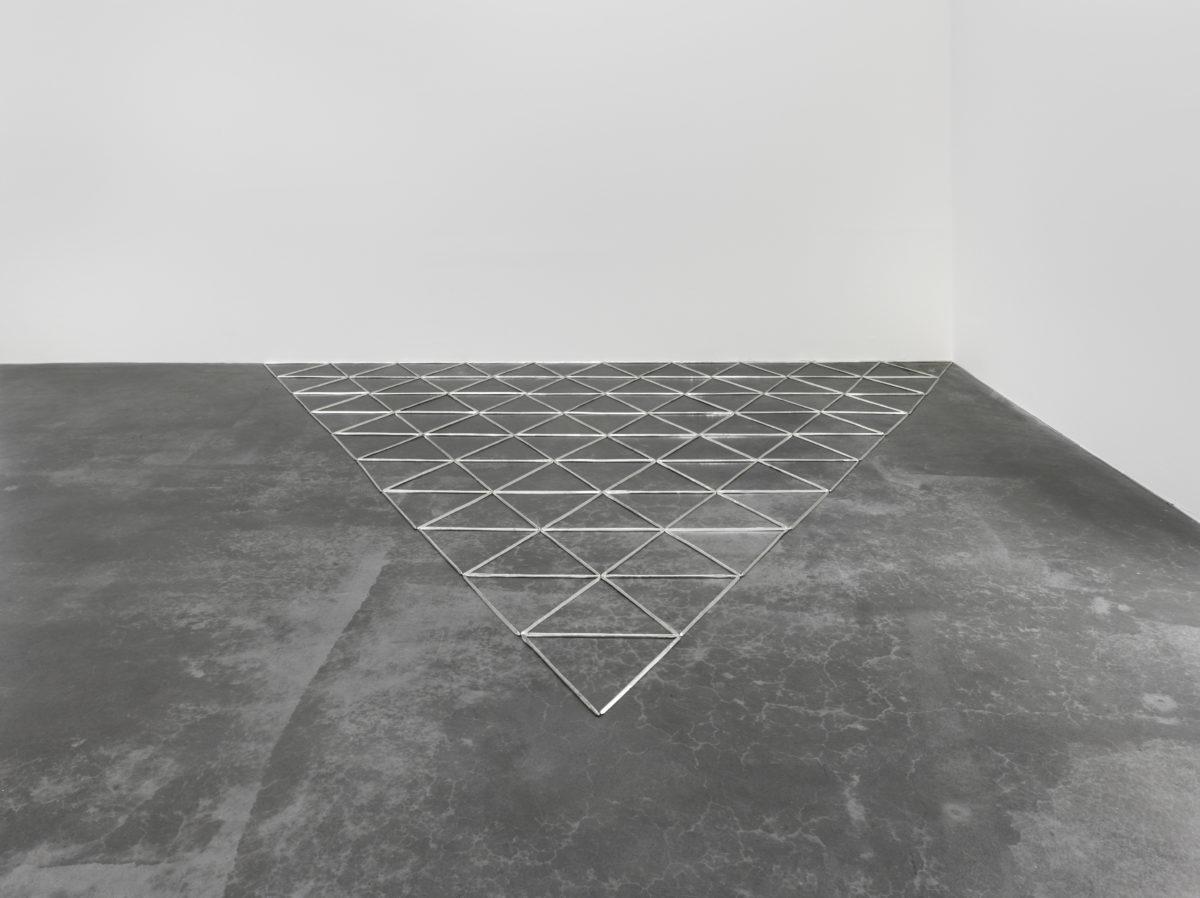 Carl Andre, Glarus Tin Trigon, 2007