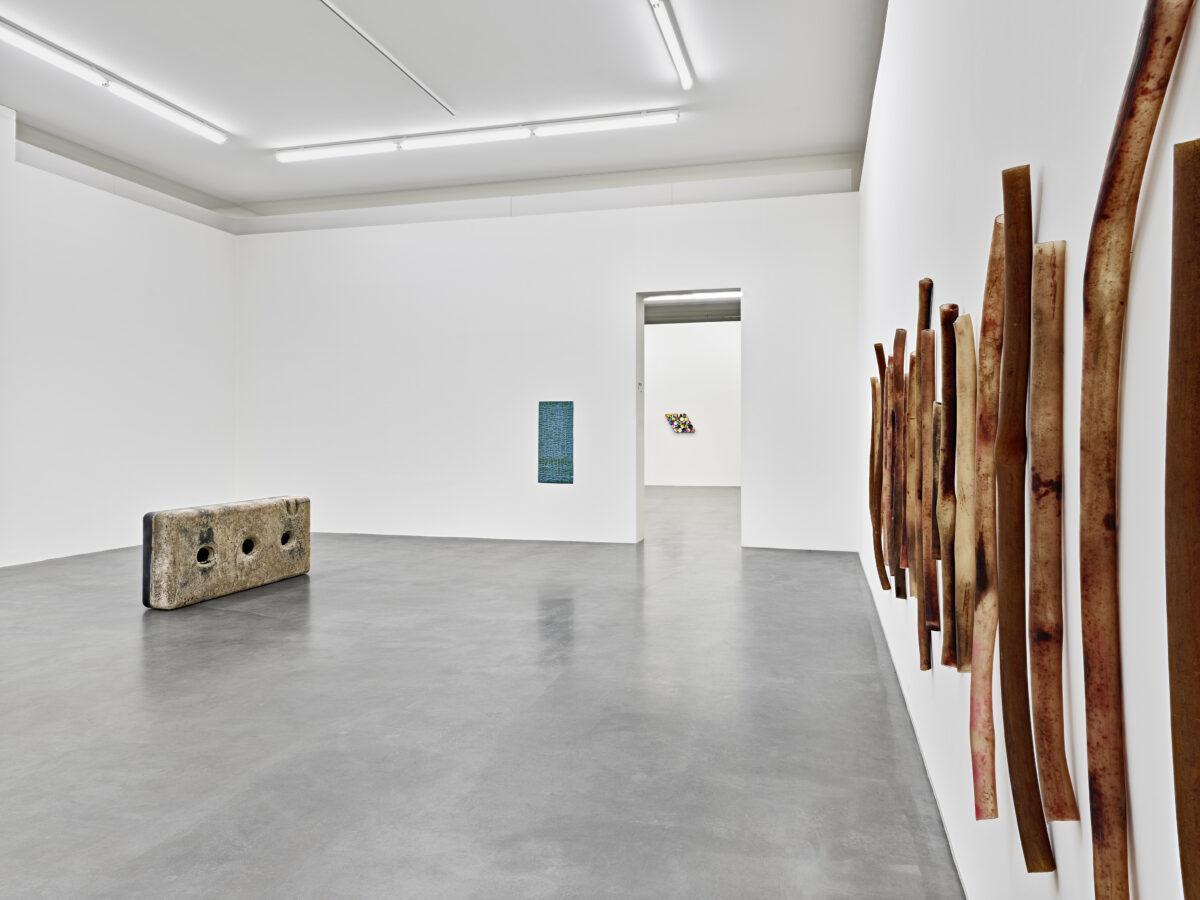 Ausstellungsansicht Spurensuche mit Werken von Birgit Werres