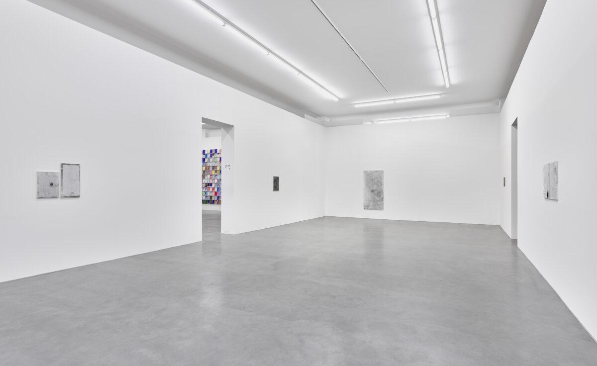 Ausstellungsansicht Spurensuche mit Werken von David Semper