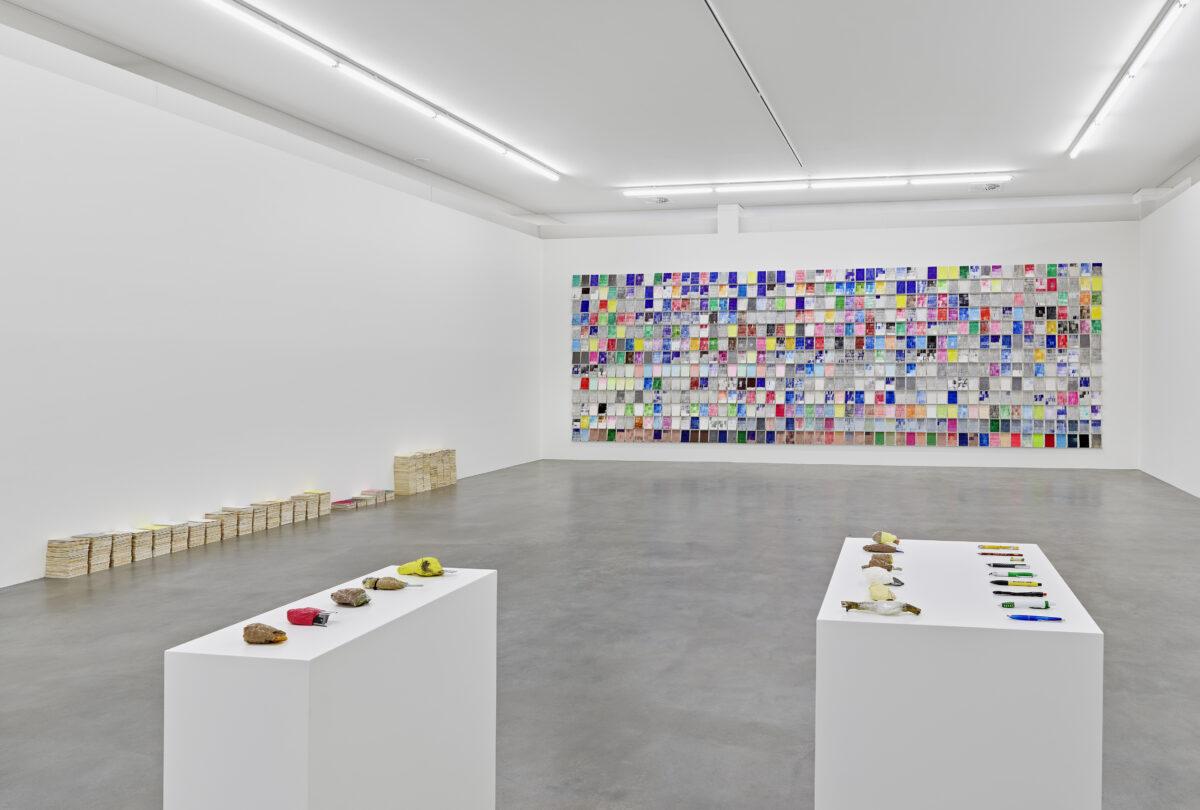 Ausstellungsansicht Spurensuche mit Werken von Florian Thate